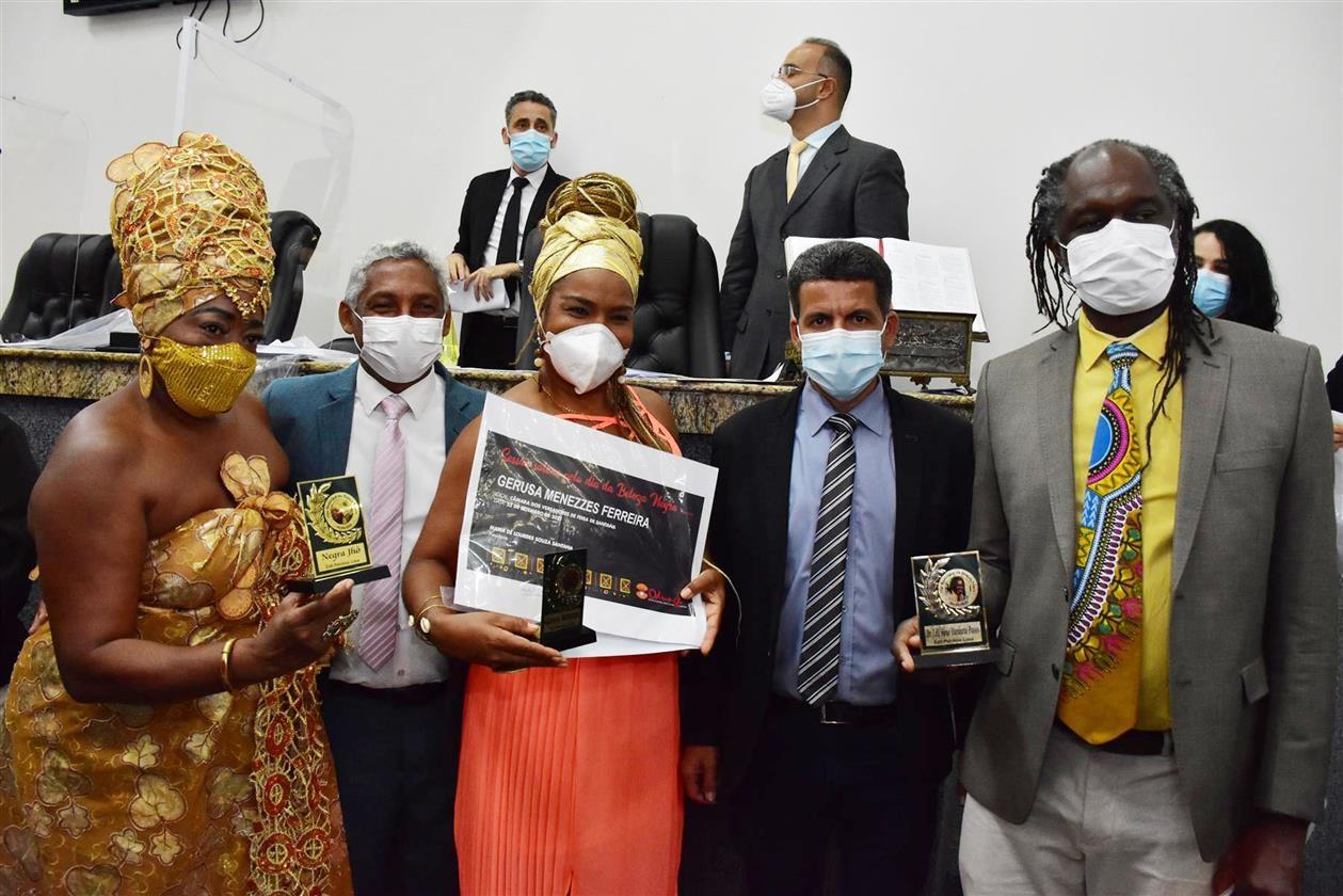 Em sessão solene, comunidade negra pede visibilidade, valorização e  reconhecimento de seu valor histórico - Tribuna Feirense